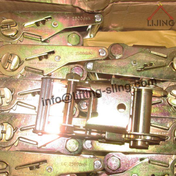 short handle ratchet buckle